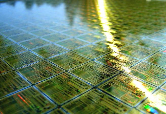 14 нанометра - иде ли краят на съвременните чипове?