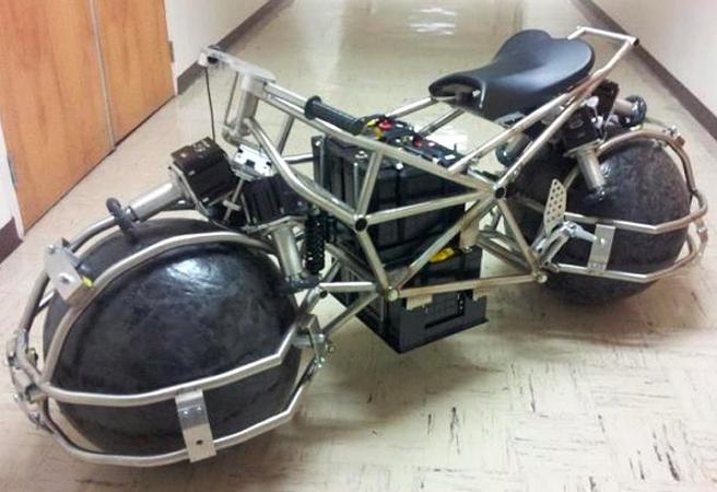 Невероятна концепция за мотоциклет със сферични гуми
