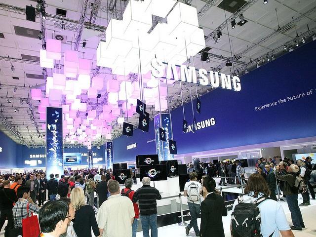 Samsung Electronics представиха най-голям брой широкоформатни екрани на IFA 2013