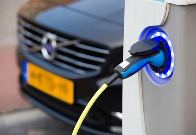 Задължителни условия за зареждане на ел. автомобили за всеки нов дом в Пало Алто