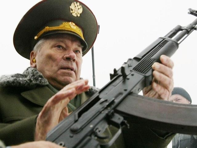 Михаил Калашников съжалява за изобретяването на AK-47