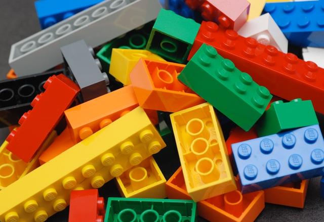 LEGO вече е най-големият производител на играчки в света
