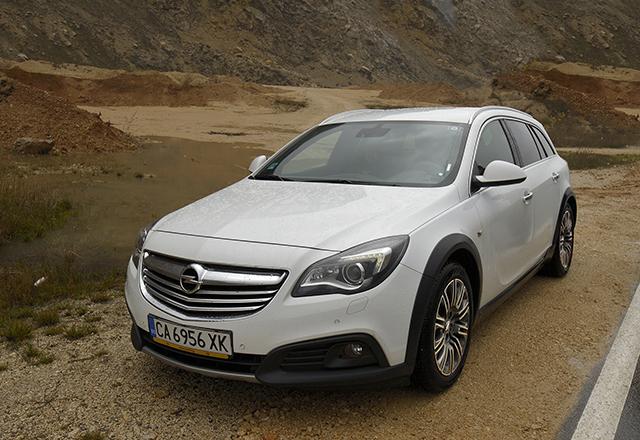 Тест драйв на Opel Insignia Country Tourer – качества за взискателни семейства