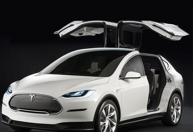 Официално: Tesla Model X ще се появи на пазара през септември