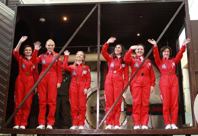 Русия тества екип от жени астронавти