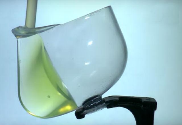 NASA показа чаша, от която може да се пие по време на безтегловност