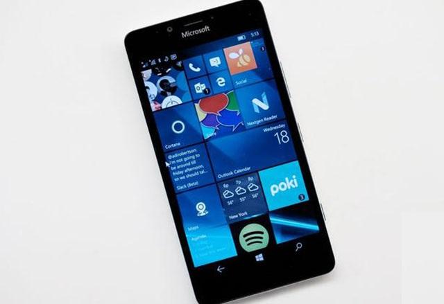Windows Phone остава извън фокуса на Microsoft за 2016 година