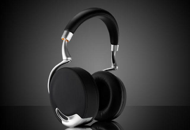 Новите слушалки на Amazon могат да спрат музиката, когато някой ви повика по име