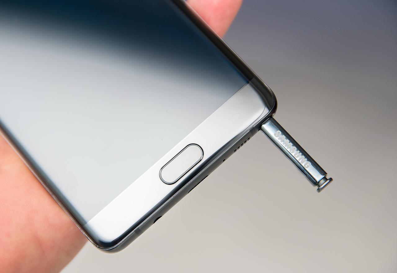 Приходите на Samsung от мобилни устройства се сринаха с 96 процента