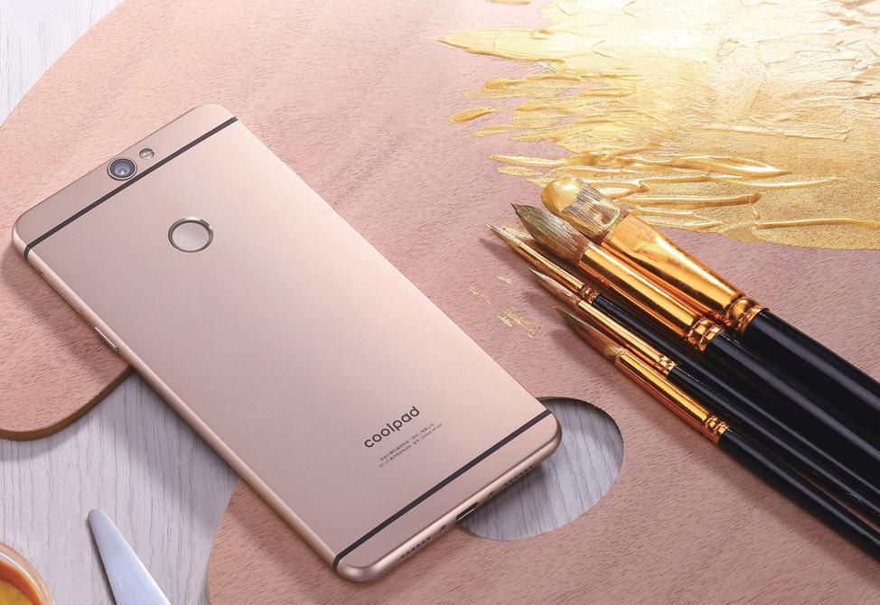 Един от вас ще спечели красивия смартфон Coolpad MAX