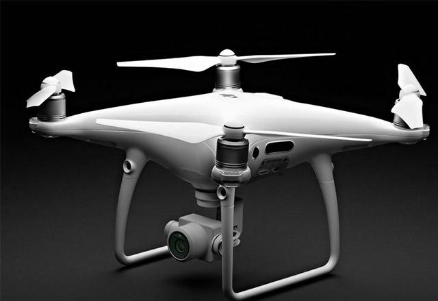 DJI представи Phantom 4 Pro с подобрения в камерата, софтуера, датчиците и батерията