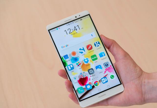 Android Nougat ъпдейтът за Huawei Mate 8 изтече случайно в интернет (видео)
