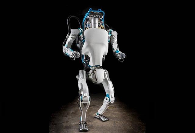 Двукракият робот на Boston Dynamics вече може да ходи и по неравен терен