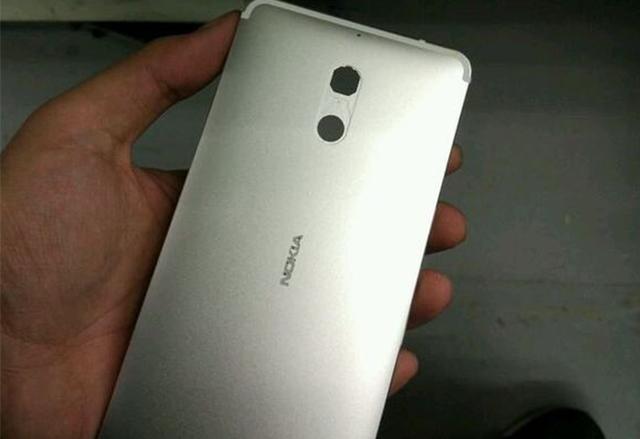 Nokia Lumia 520 работи с Android 7 1, защото защо не?!