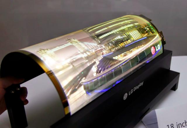 LG партнира с Apple, Google и Microsoft за разработката на сгъваеми дисплеи