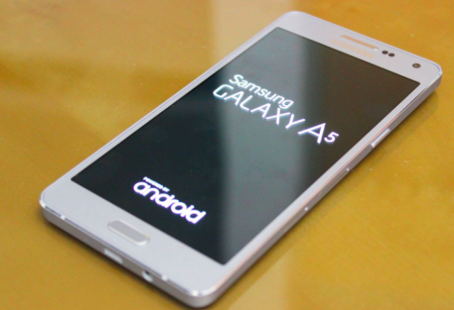 Samsung Galaxy A3 (2017) и Galaxy A5 (2017) пристигат в Европа през януари