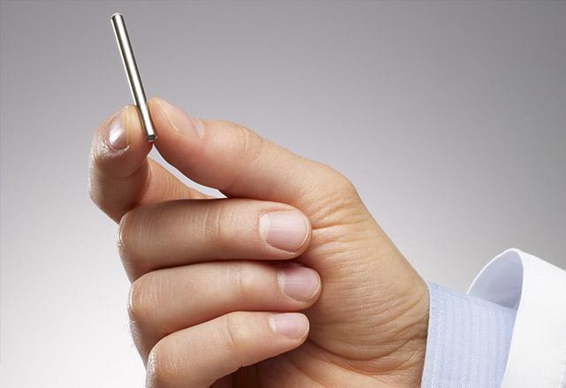 Бил и Мелинда Гейтс инвестират в имплант, който ще се бори с ХИВ вируса