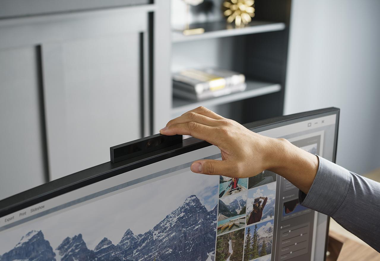 CES 2017: HP представи AiO с 34-инчов извит екран и извит Omen монитор