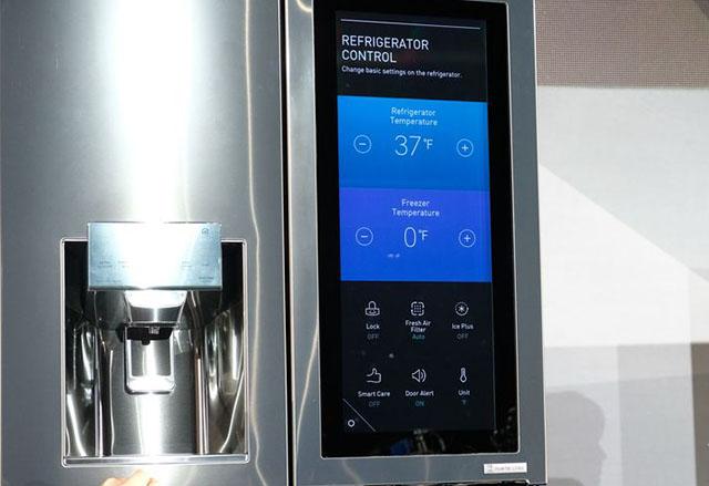 CES 2017: LG представи умен хладилник с WebOS и Amazon Alexa интеграция