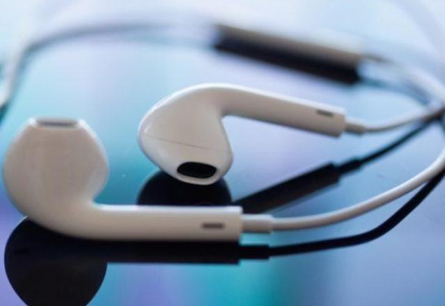 Стриймингът е предпочитаният от американците начин за слушане на музика през 2016 г.
