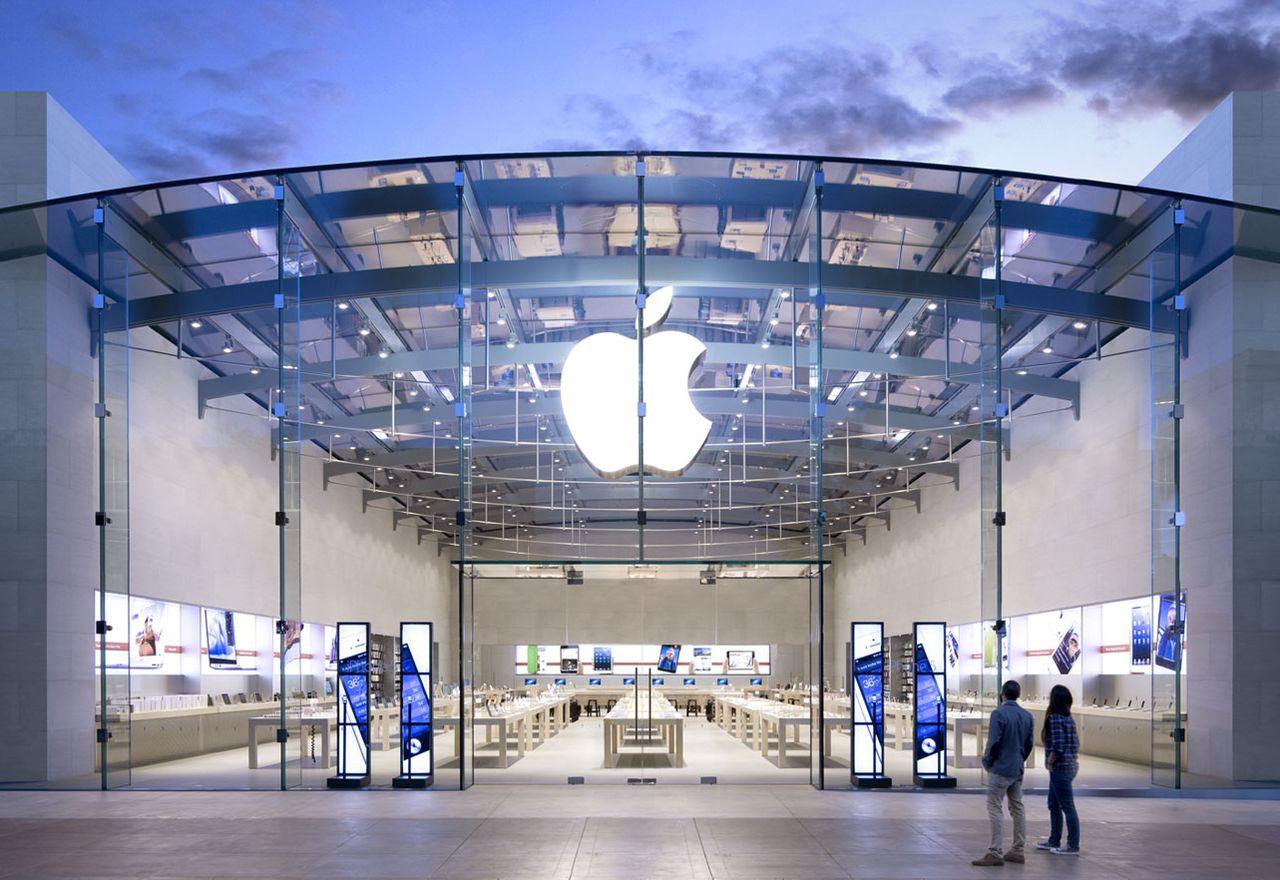 Дизайнерът на Mac Pro, MacBook Pro с Touch Bar и MacBook Air също напуска Apple и отива в Tesla