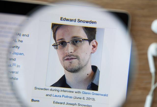 Препоръчваната от Едуард Сноудън имейл услуга Lavabit отново работи
