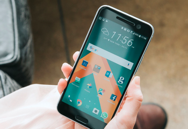 HTC отново задържа ъпдейта до Nougat за HTC 10 в Европа