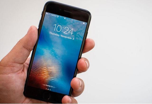 С бавни, но сигурни стъпки Apple продаде 2.5 млн. телефона в Индия през 2016 г.
