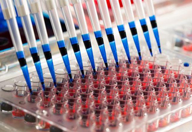 Две бебете бяха излекувани от рак чрез генетично конструирани Т-клетки