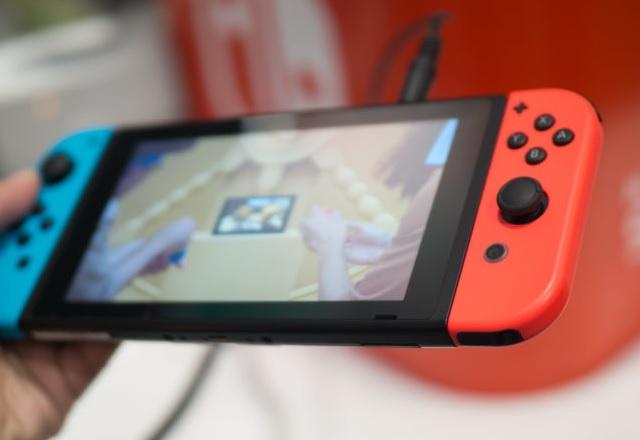 Търговци масово доставят Nintendo Switch преди премиерата