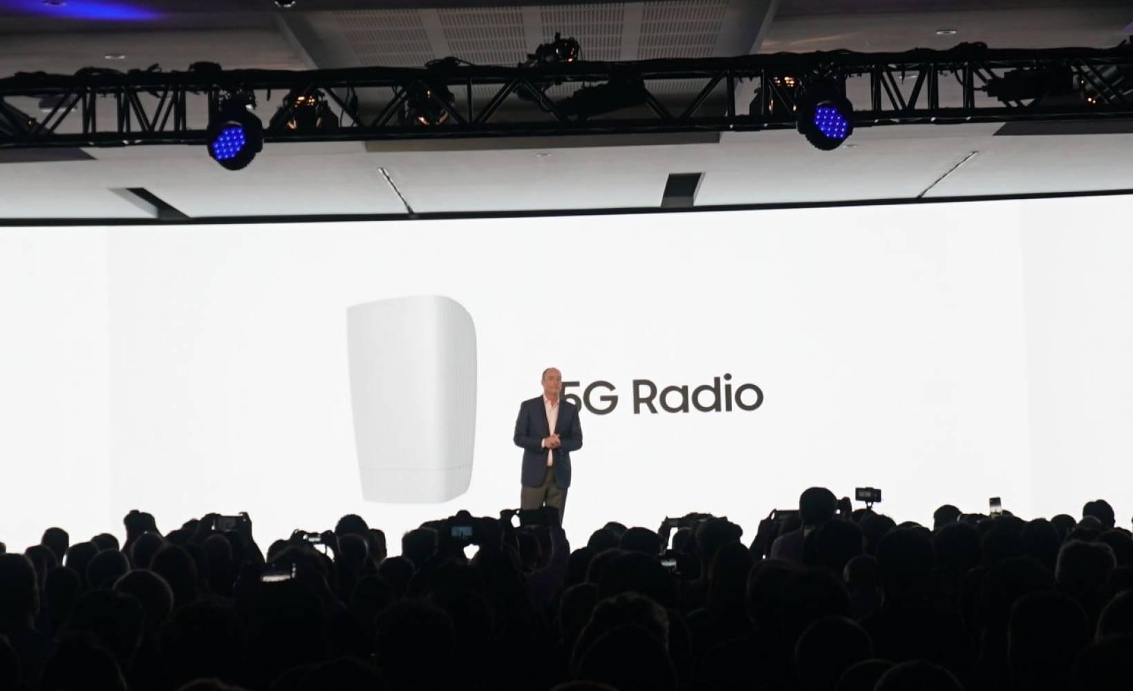 MWC 2017: сериозната 5G заявка е важната новина на Samsung тази година