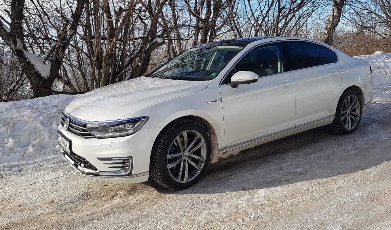 VW Passat GTE: комфортният бизнес автомобил в хибриден формат (Test Drive)