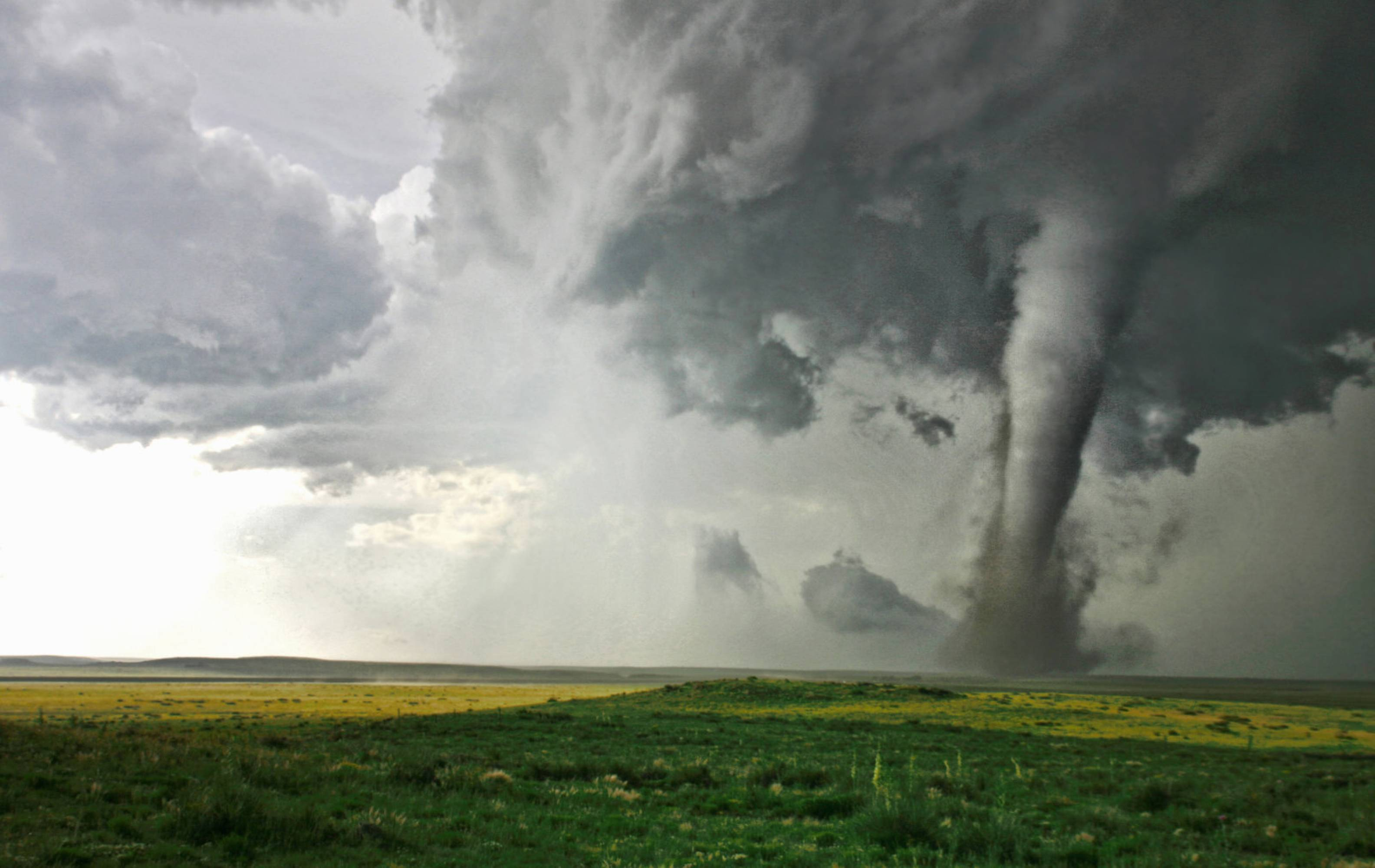 Ето какво е да бъдеш в окото на едно смъртоносно торнадо