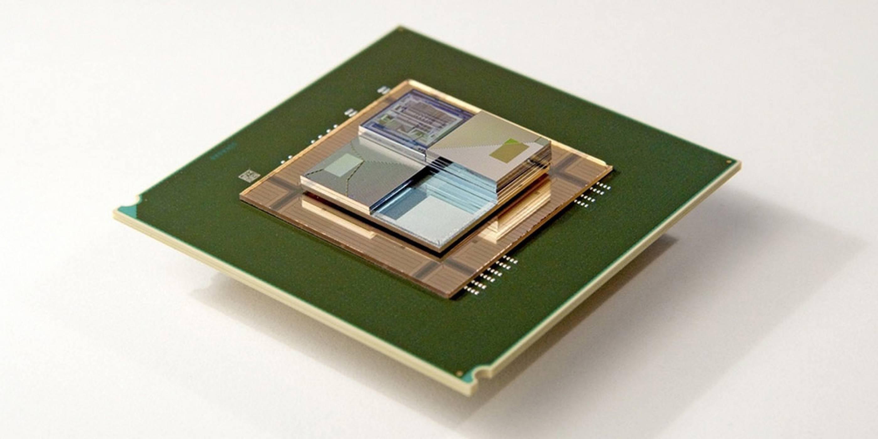 IBM и ETH Zurich създадоха миниатюрна батерия, която едновременно зарежда и охлажда чипове