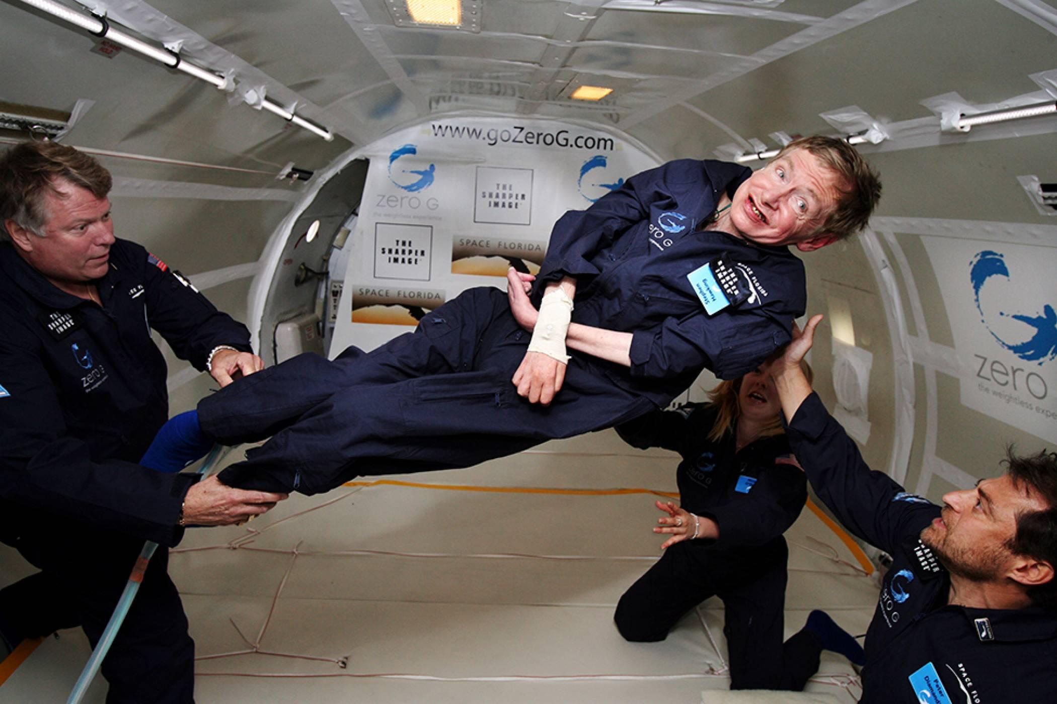 Стивън Хокинг ще отпътува за Космоса на борда на Virgin Galactic