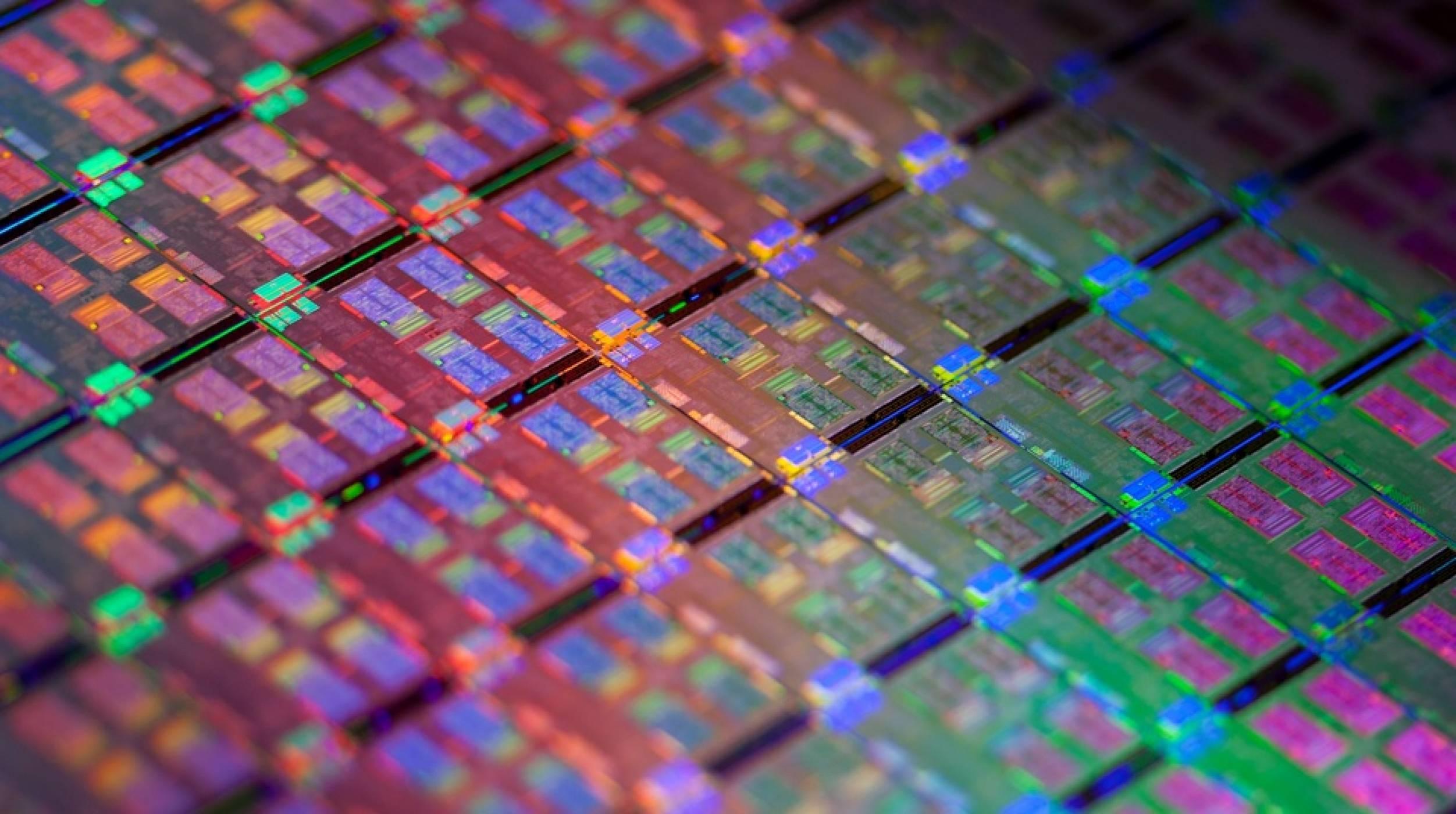 Samsung започва производството на второ поколение 10nm чипове