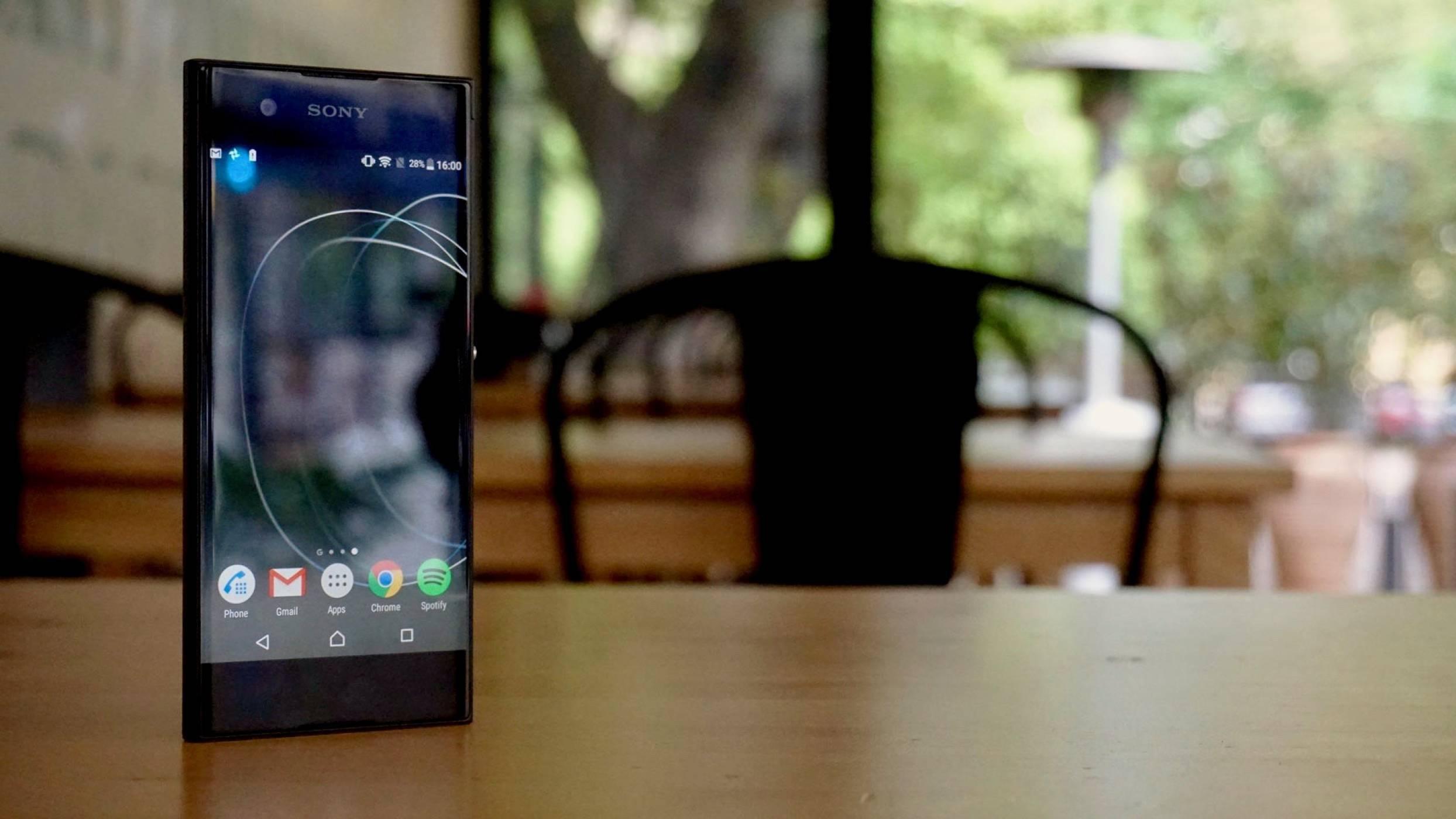 Sony Xperia XA1 - печелившите детайли (видео ревю)