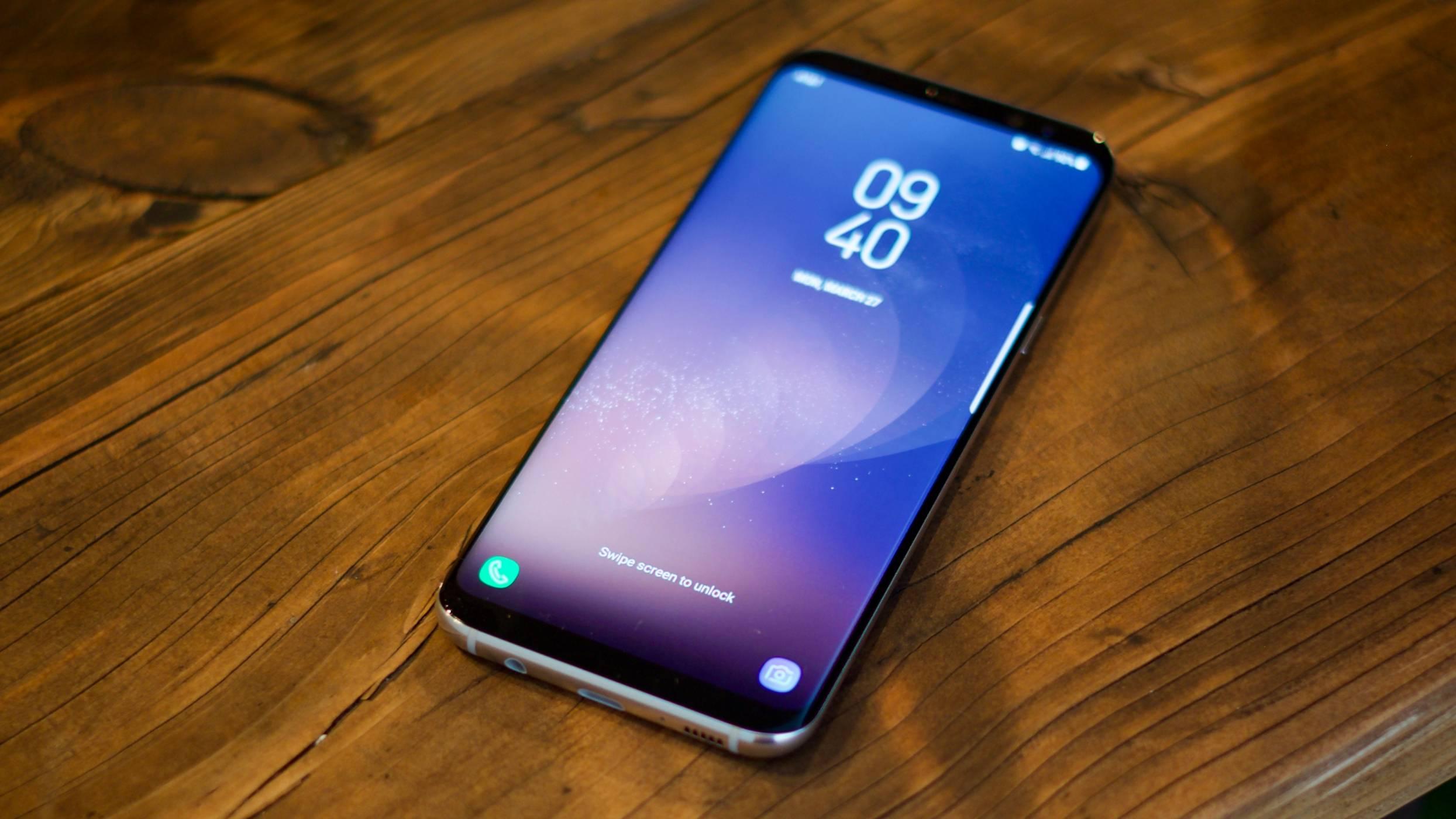 """Samsung ще покаже """"разтегаем"""" OLED дисплей на SID 2017 (снимка)"""