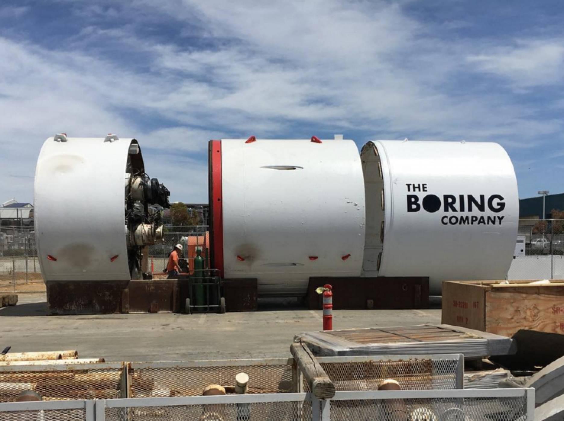 Илон Мъск стартира пробиването на първия тунел под Лос Анджелис