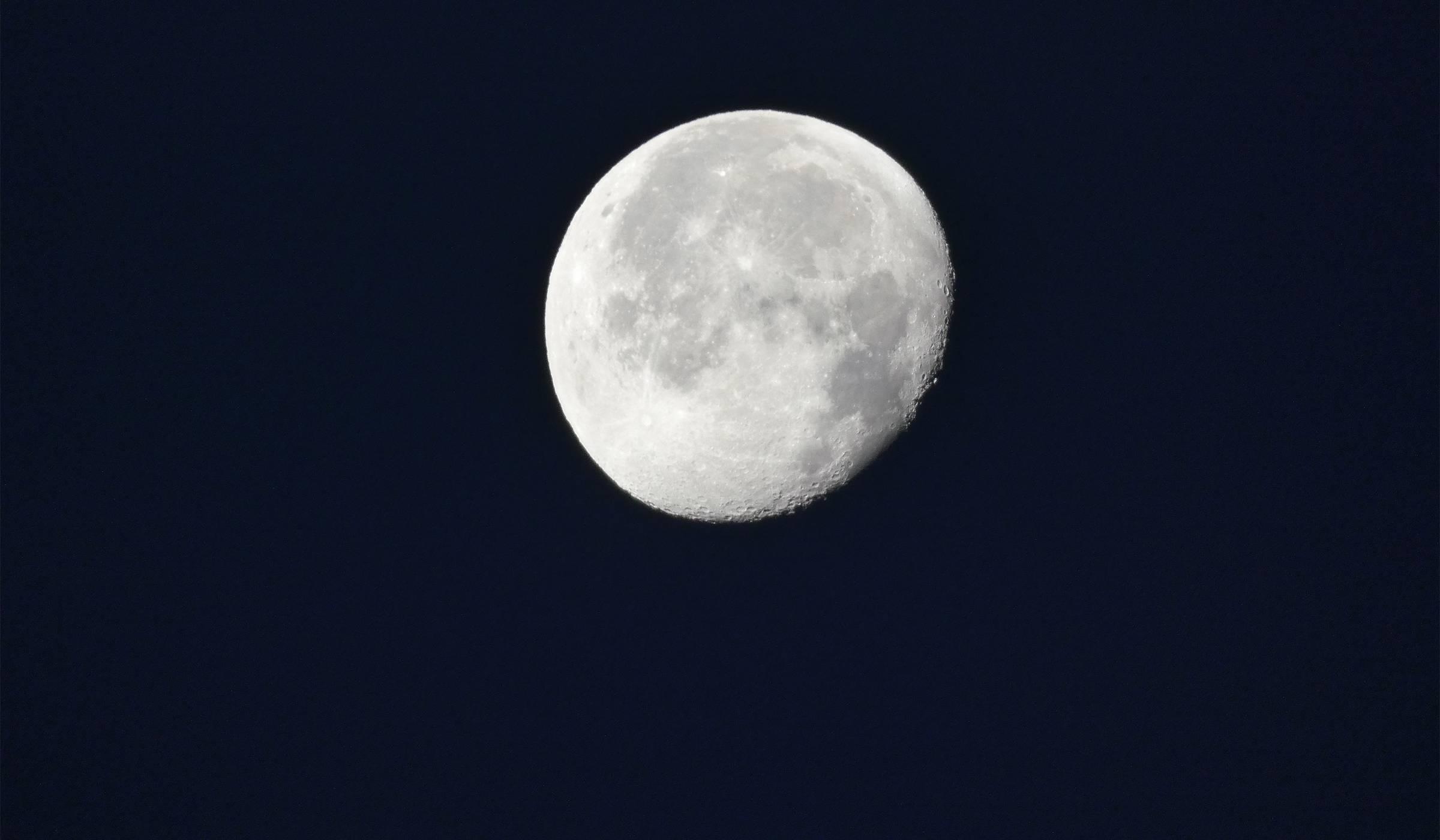 Panasonic FZ82: до Луната и обратно в 4K (ревю)