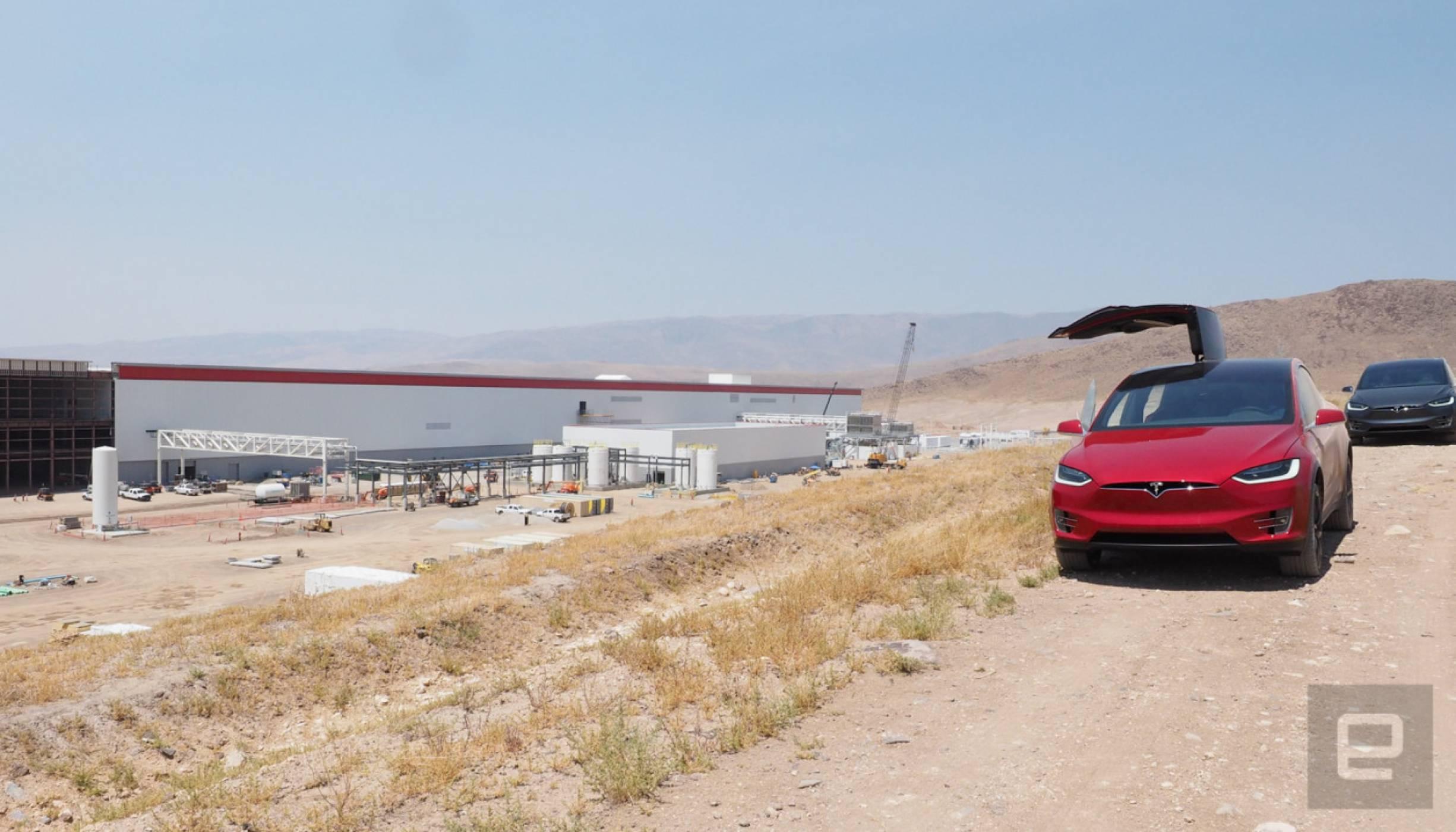 Tesla отваря още няколко гигантски завода в Съединените щати