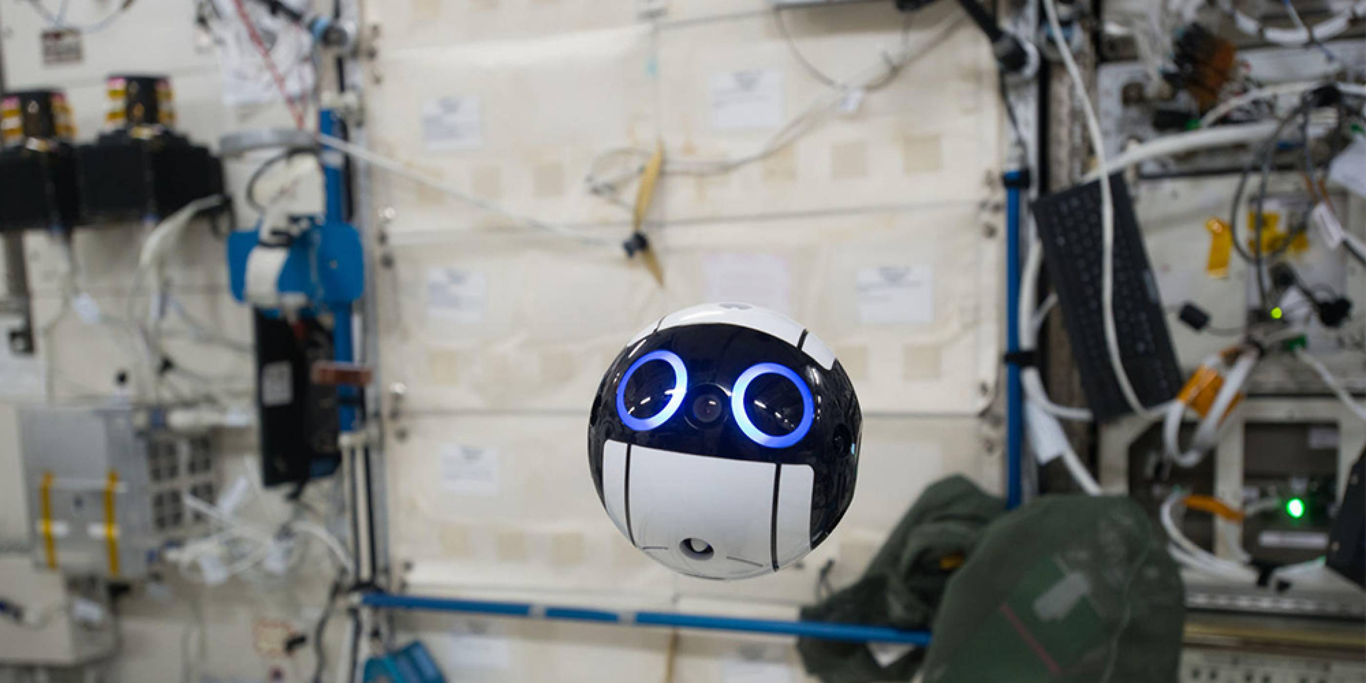 JAXA показа снимки и видео от своя летящ робот на МКС