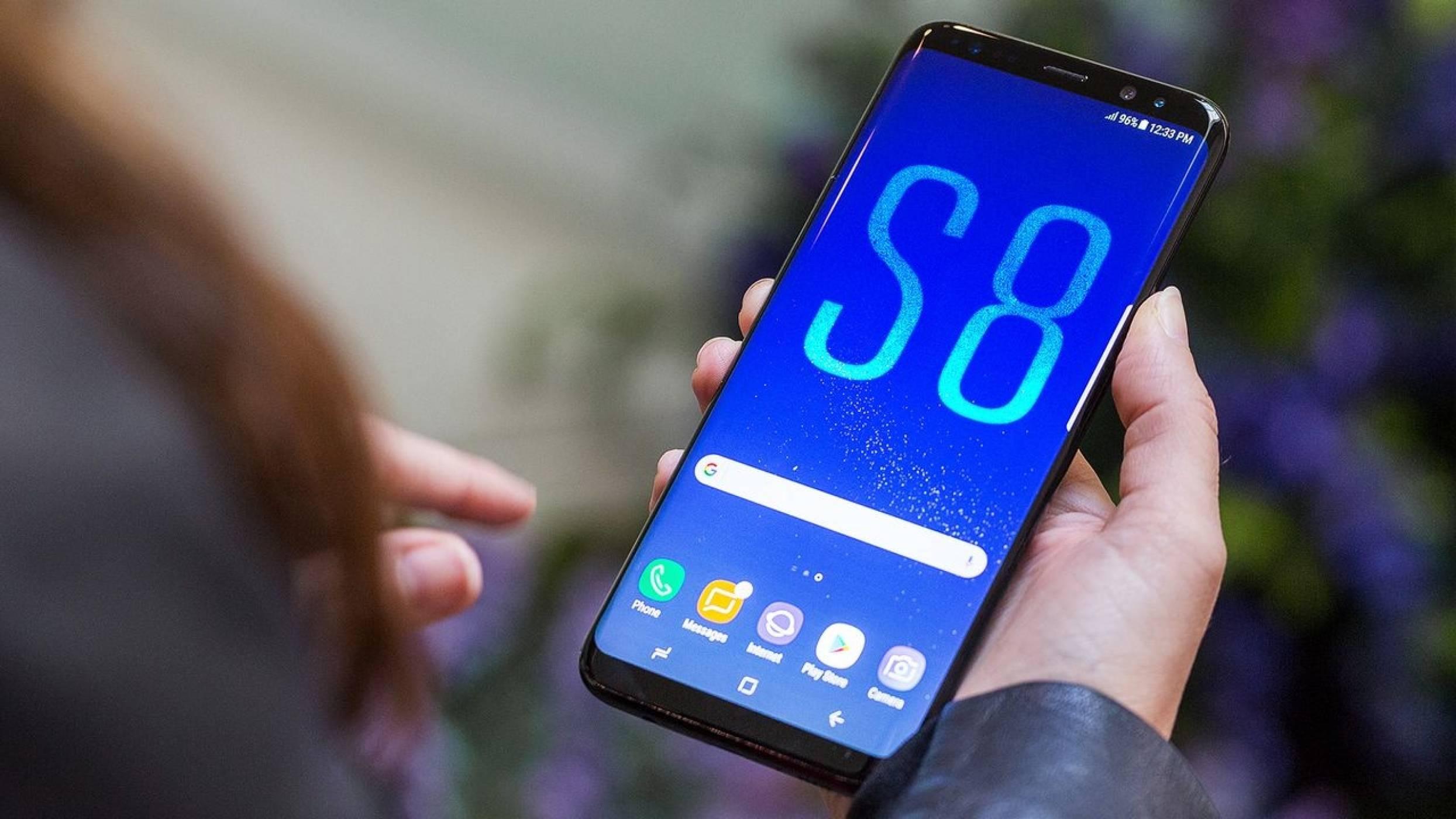 Samsung доставила над 20 млн. Galaxy S8 смартфона, твърди Strategy Analytics