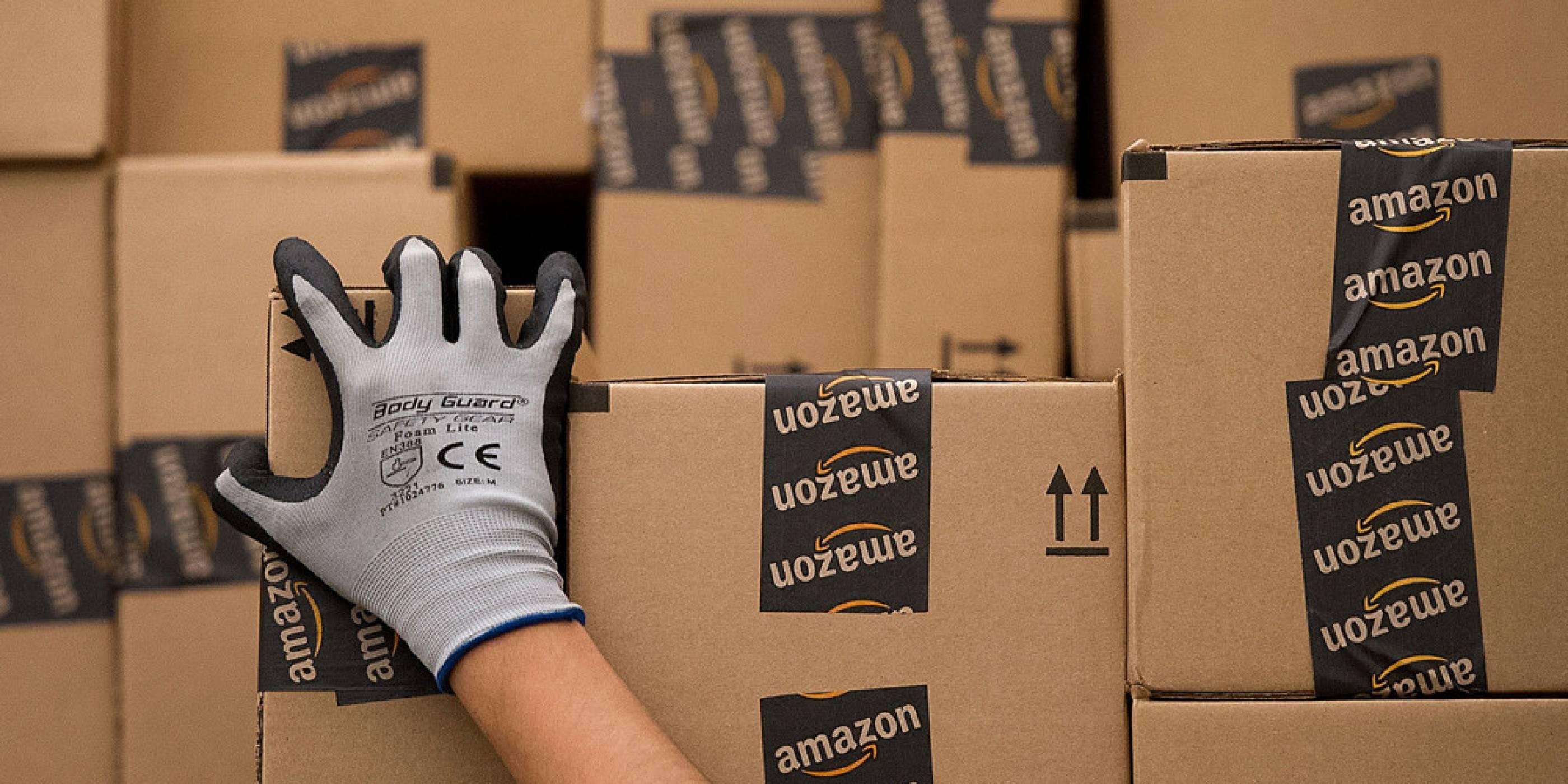 Тръмп нападна Amazon, обвини компанията за загуба на работни места
