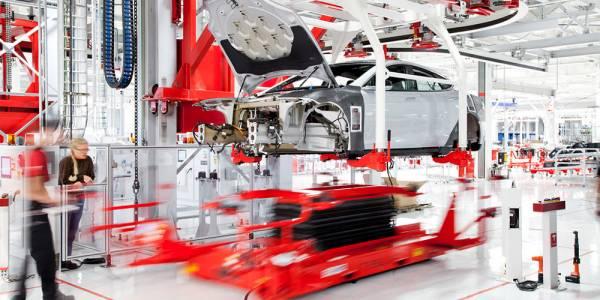 Tesla е уволнила стотици свои служители във фабриките си в Пало Алто и Фримонт
