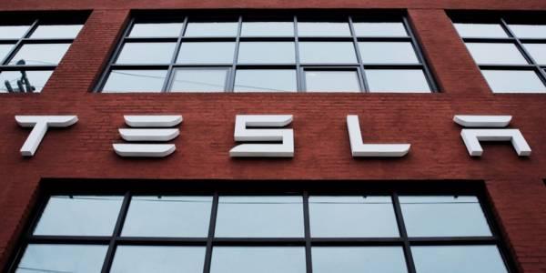 Tesla възнамерява да прозивежда собствени AI процесори за автономно шофиране