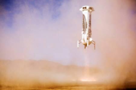 Blue Origin изстреля и приземи за пръв път своята Crew Capsule 2.0