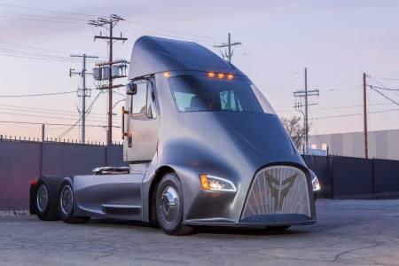 Този електрически камион иска да изпревари Tesla на пазара