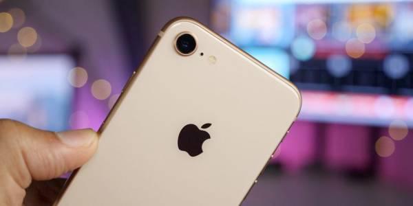iPhone с 6.5-инчов OLED дисплей може да е сензацията на годината