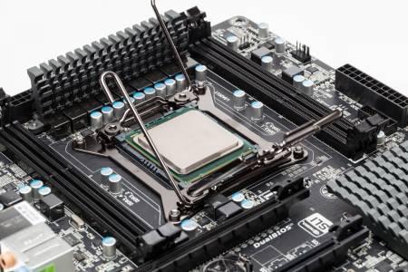 Само смяната на процесор предпазва от уязвимостите Meltdown и Spectre